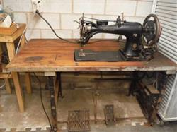 301347 - SINGER 7-31 Harness Leather Sewing Machine