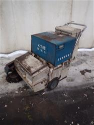 301644 - TENNANT Floor Sweeper