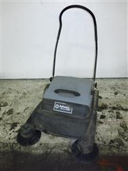 303544 - ADVANCE TERRA 26M Floor Sweeper