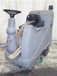 303814 - ADVANCE ADVENGER Electric Floor Scrubber