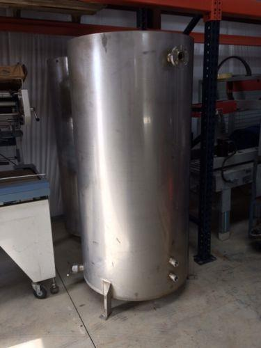 Image 150 Gallon Vertical Tanks with Lids - Stainless Steel 961533
