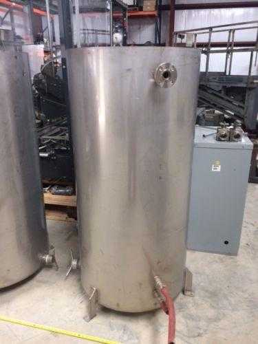 Image 150 Gallon Vertical Tanks with Lids - Stainless Steel 961534