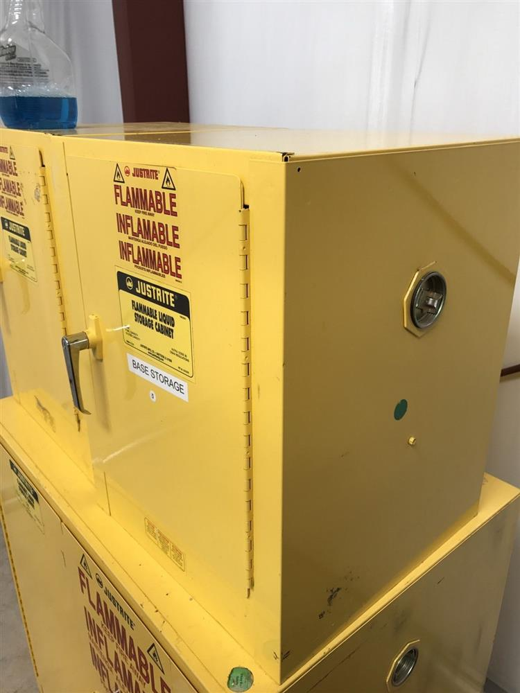 Justrite Flammable Safety S 305645 For Sale Used