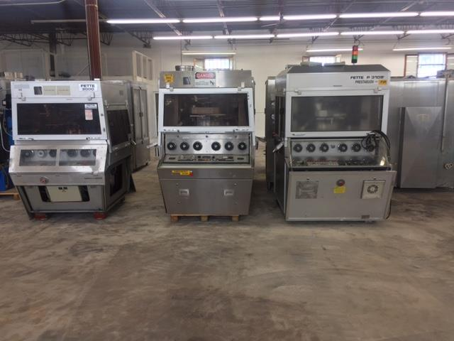 Image FETTE P3100/3000 Double-Sided Rotary Tablet Press - 45/55 Station B Tooled, Lot of 3 976166