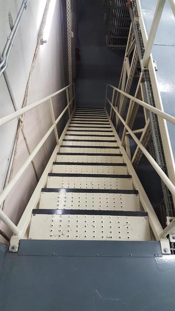 Image Steel Stair Case 991522