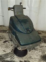 314630 - NOBLES SCOUT 28 Electric Floor Sweeper