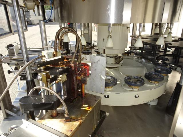 Image P.E. LABELLERS Futura S Cut and Stack Hot Melt Labeler 1007147