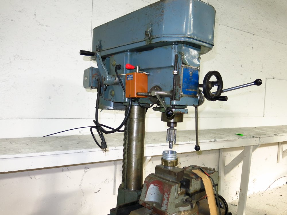 Image RONG FU RF-30 Vertical Mill 1014301