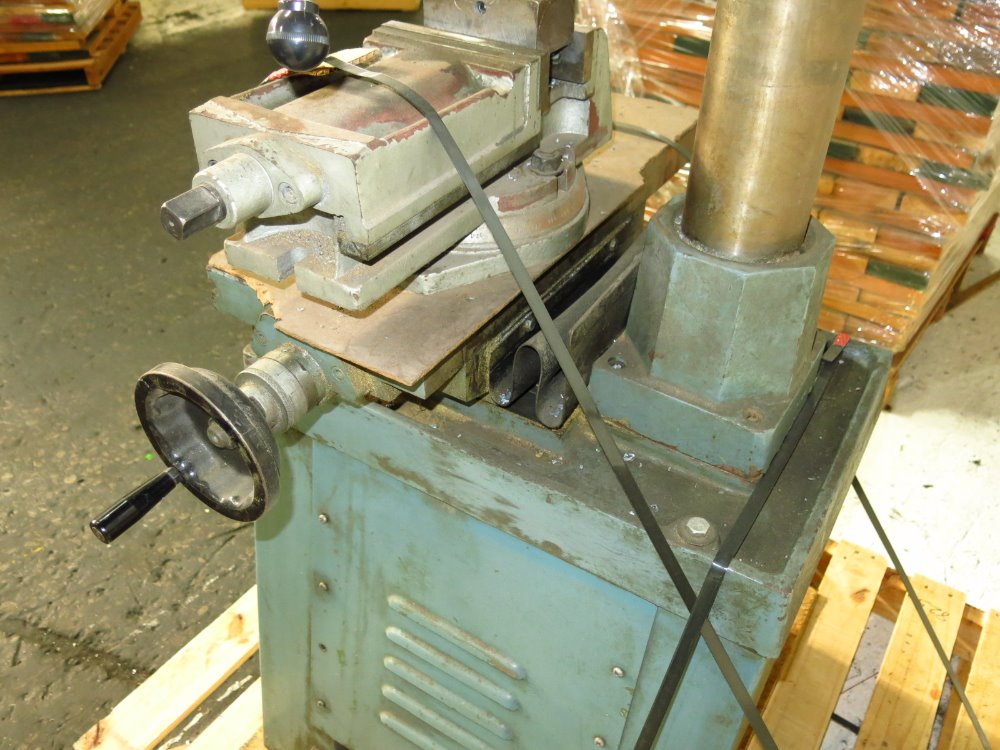 Image RONG FU RF-30 Vertical Mill 1014305