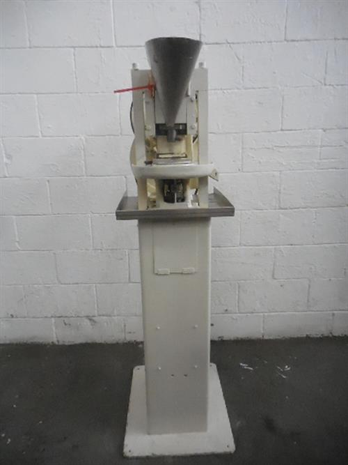 Image COLTON Single Punch Tablet Press 1057775
