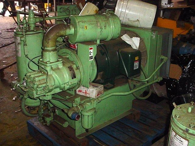 Image 40 HP SULLAIR Rotary Screw Air Compressor - 125 PSI 1058265