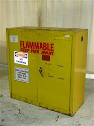 326376 - EAGLE 1932 Flammable Cabinet