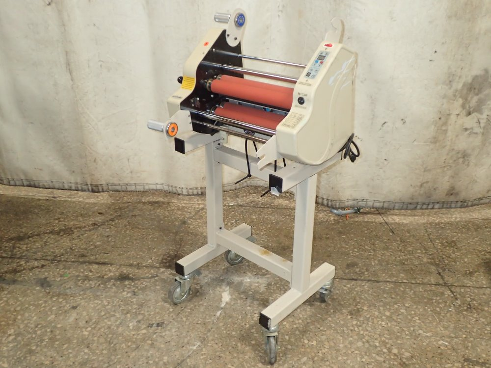 Acco Brands Corp Gbc Titan 322030 For Sale Used