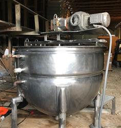 329940 - 300 Gallon CLEVELAND Double Jacketed Steam Kettle