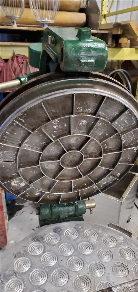 Image ERIKA 36 Part Semi Automatic Dough Rounder Divider 1455879