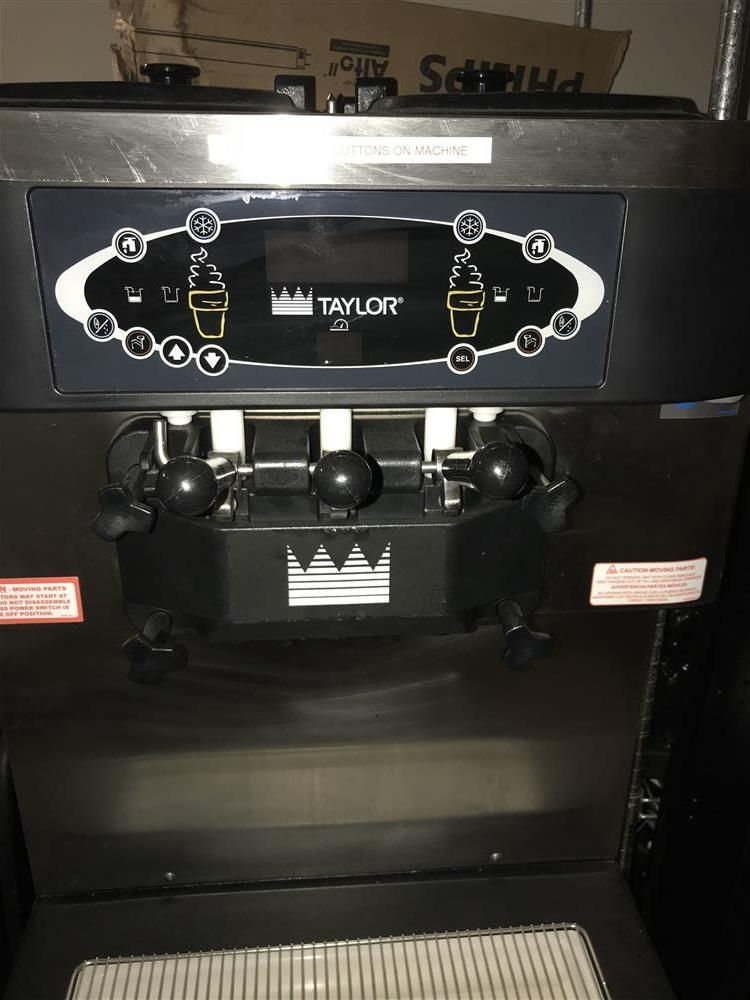 Image TAYLOR C713-33 Soft Serve Machine - 2-Flavor Plus Twist 1280195