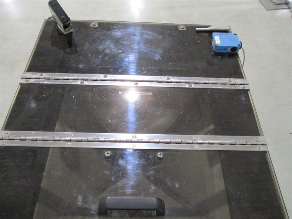 Image SUPERIOR PACKAGING SYSTEM Vibratory Cap Feeder Sorter with FMC Syntron Device 1297594