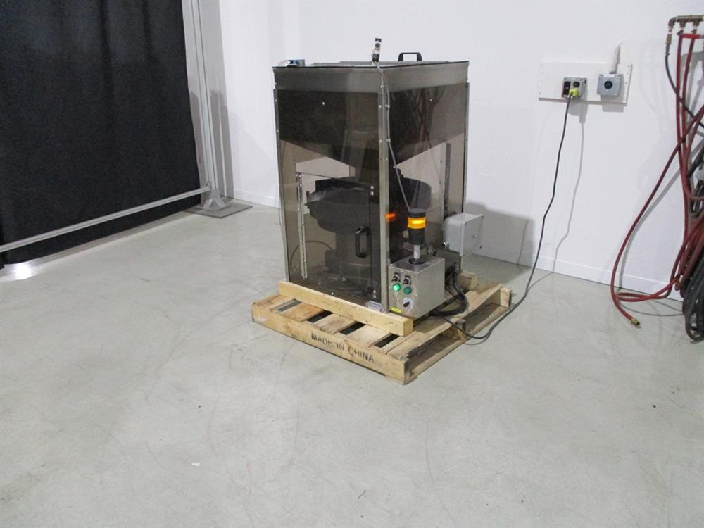 Image SUPERIOR PACKAGING SYSTEM Vibratory Cap Feeder Sorter with FMC Syntron Device 1297584