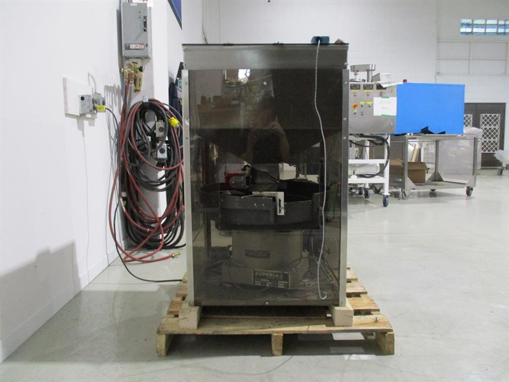 Image SUPERIOR PACKAGING SYSTEM Vibratory Cap Feeder Sorter with FMC Syntron Device 1297585