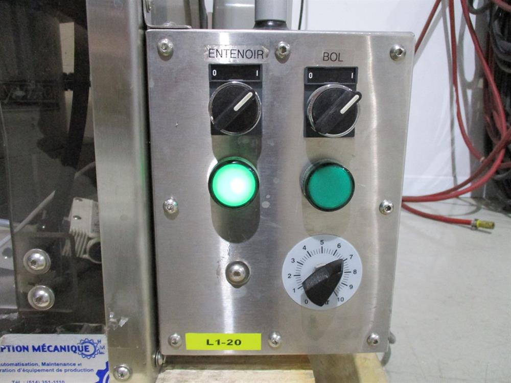 Image SUPERIOR PACKAGING SYSTEM Vibratory Cap Feeder Sorter with FMC Syntron Device 1297588