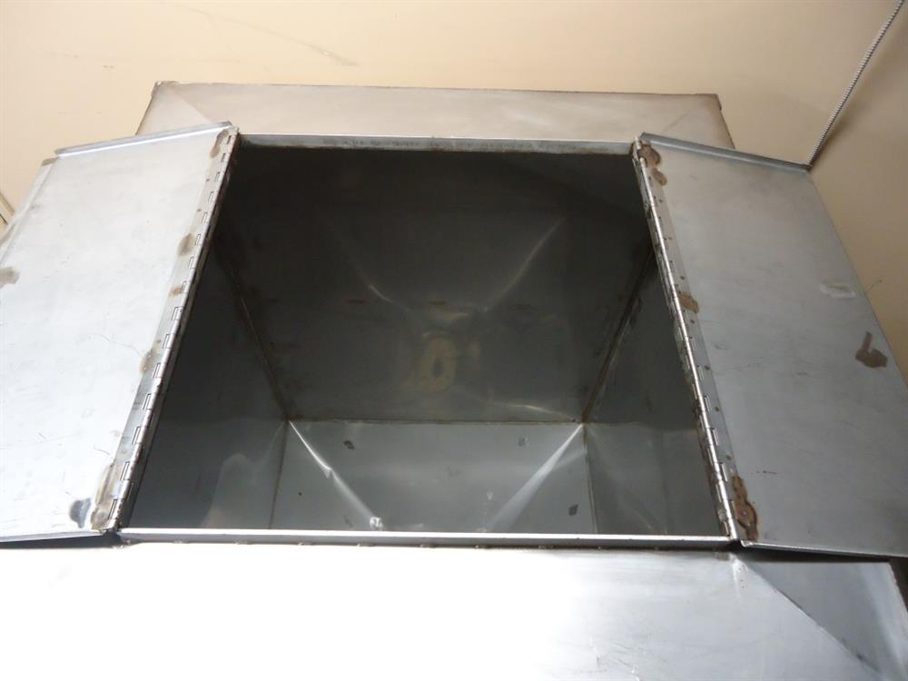 Image Vertical Powder Hoppers / Totes 1297860
