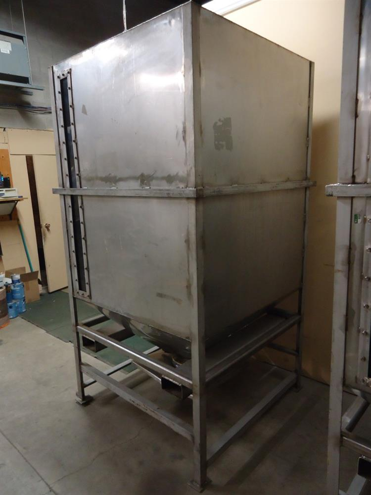Image Vertical Powder Hoppers / Totes 1297869