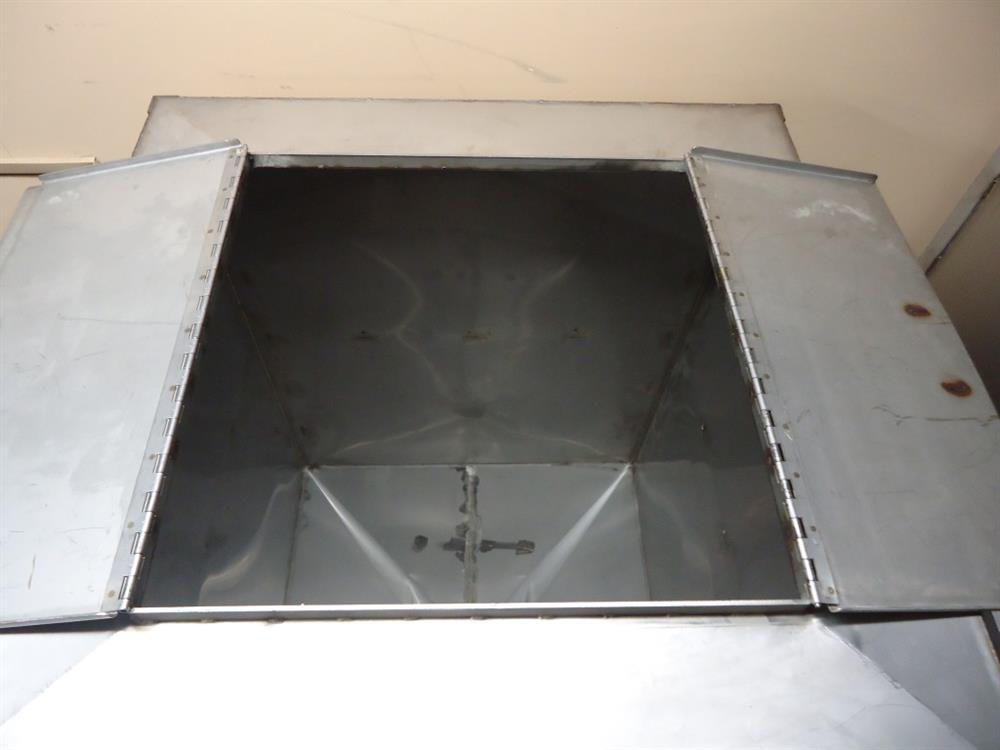 Image Vertical Powder Hoppers / Totes 1297871