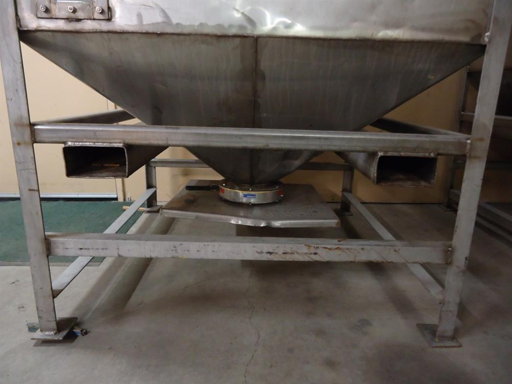 Image Vertical Powder Hoppers / Totes 1297875