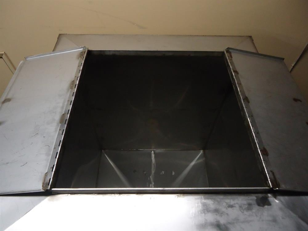 Image Vertical Powder Hoppers / Totes 1297849
