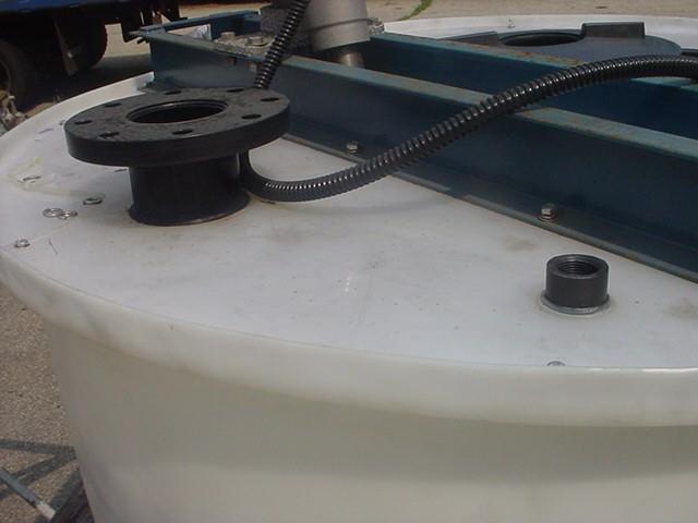 Image 528 Gallon Flat Bottom Poly Tank 1304750