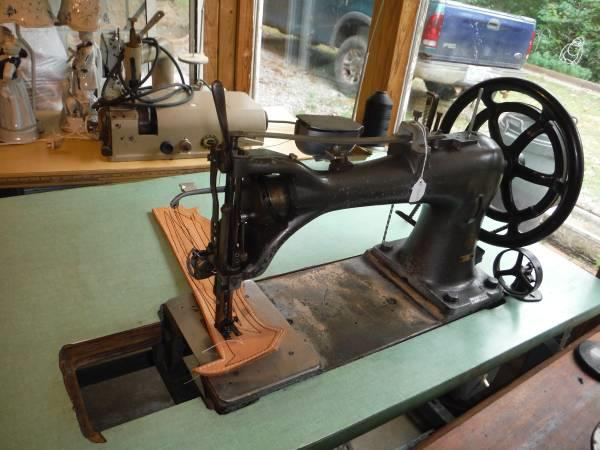 SINGER 4040 M Sewing Machin 40 For Sale Used Interesting Harness Leather Sewing Machine