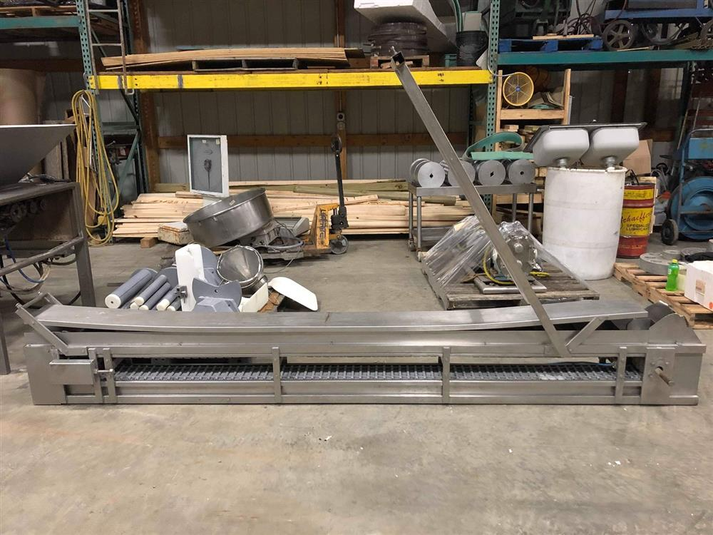 Image Stainless Steel Incline Conveyor 1366576