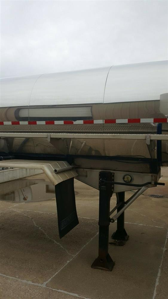 Image 5000 Gallon STAINLESS TANK & EQUIPMENT Insulated Chemical / Fuel Tank Trailer 1385451