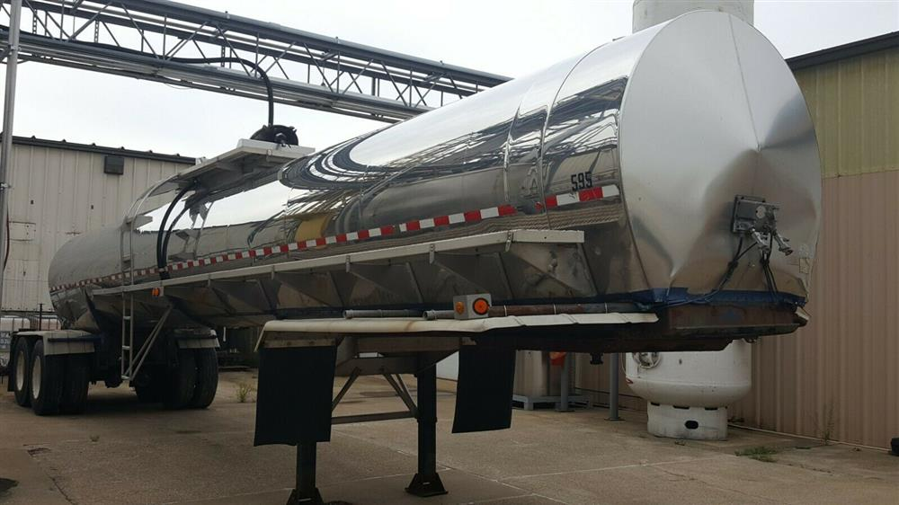 Image 5000 Gallon STAINLESS TANK & EQUIPMENT Insulated Chemical / Fuel Tank Trailer 1385452
