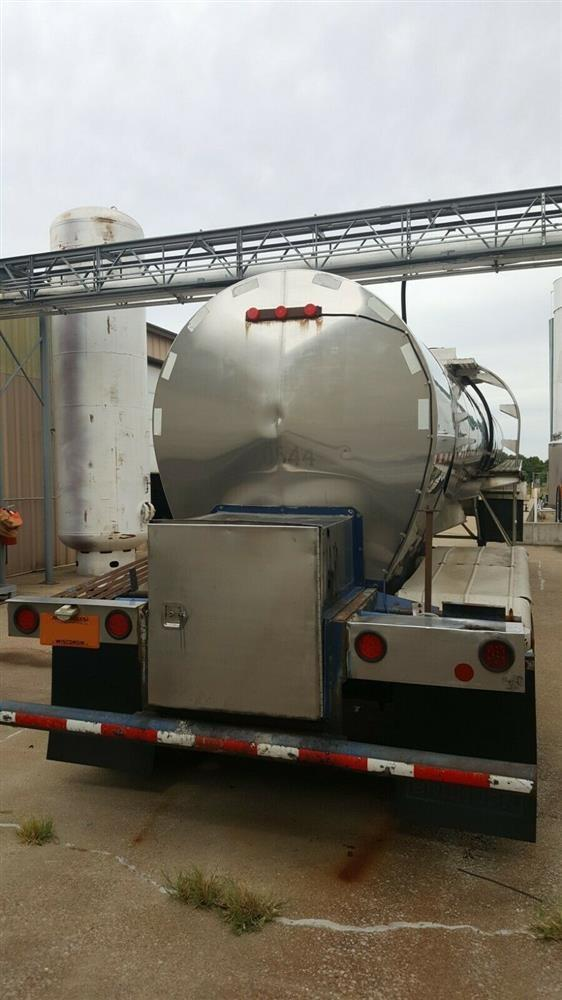 Image 5000 Gallon STAINLESS TANK & EQUIPMENT Insulated Chemical / Fuel Tank Trailer 1385453