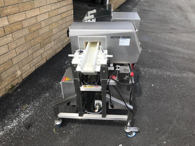 Image METTLER TOLEDO SAFELINE Metal Detector - Model SL2000 1392197