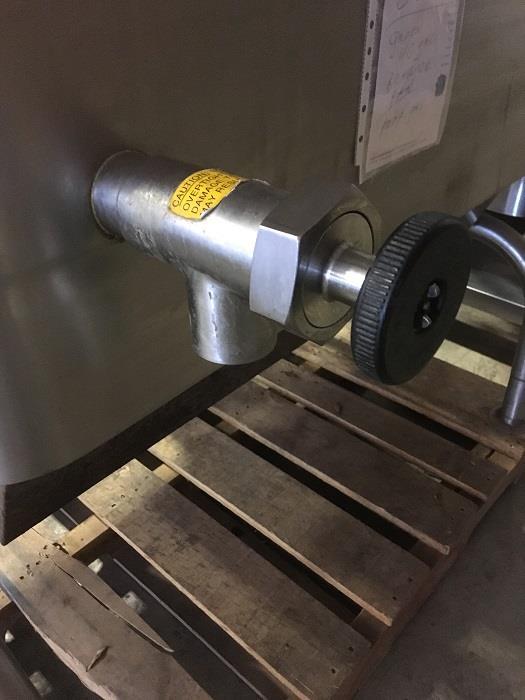 Image 40 Gallon GROEN BPM 40G Tilting Braising Pan Skillet - 2in Tangent Draw Valve 1406263