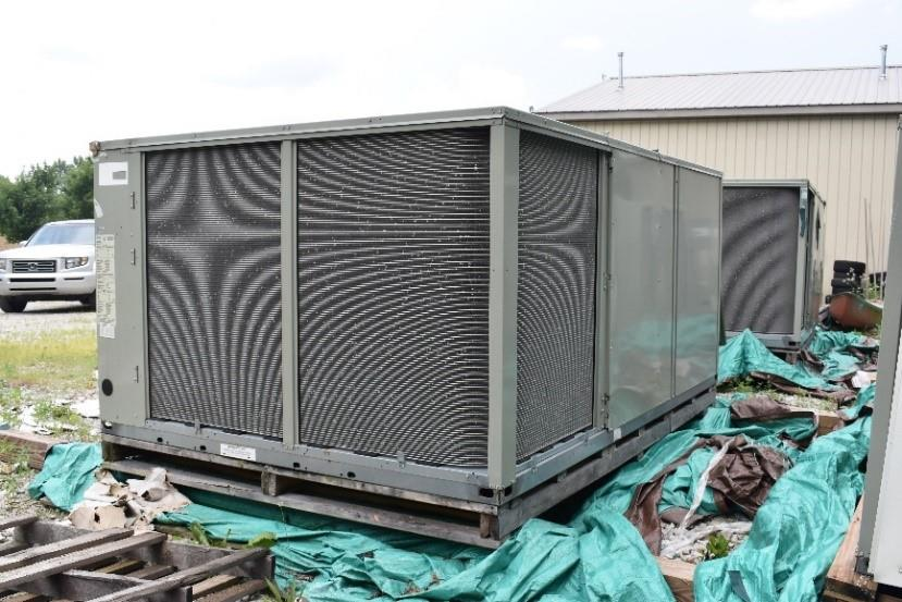 Image 17.5 Ton TRANE DX Cooling Rooftop Unit 1408625