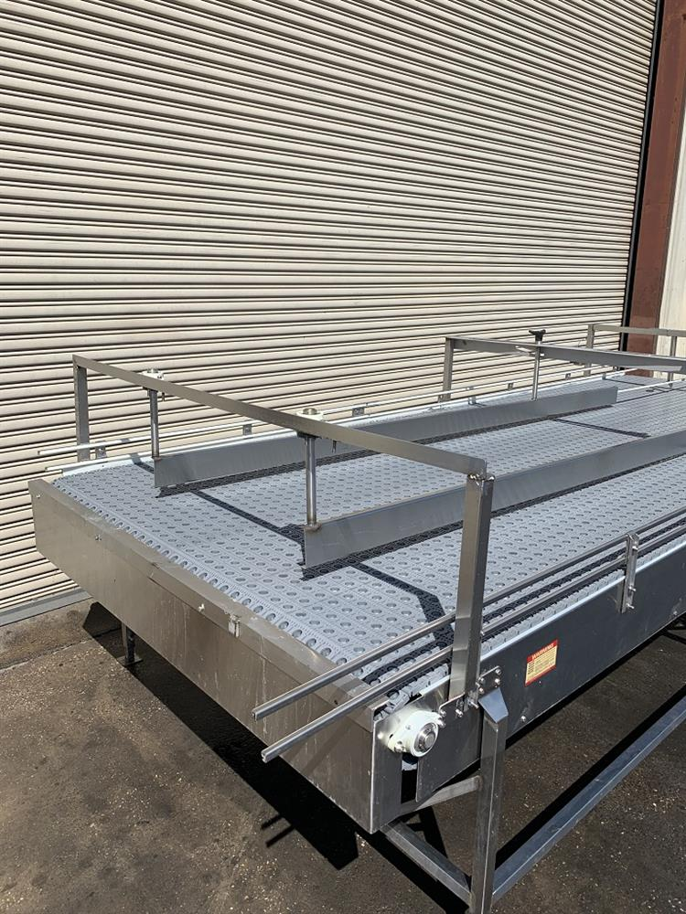 Image 6ft x 16ft LAUGHLIN Stainless Accumulation Case Divert Transfer Conveyor Table 1411581