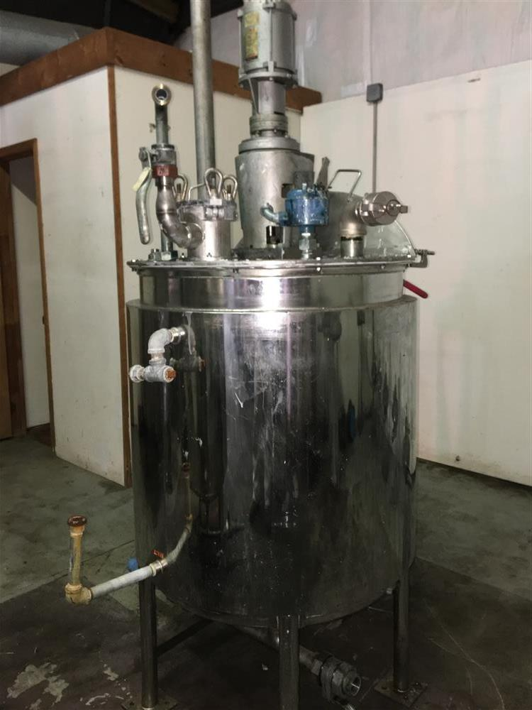 Image Agitated Stainless Steel Tanks with GRACO Agitators 1440790