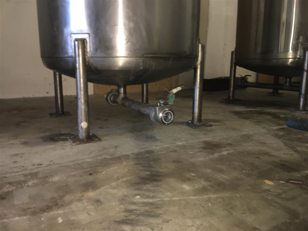Image Agitated Stainless Steel Tanks with GRACO Agitators 1440779