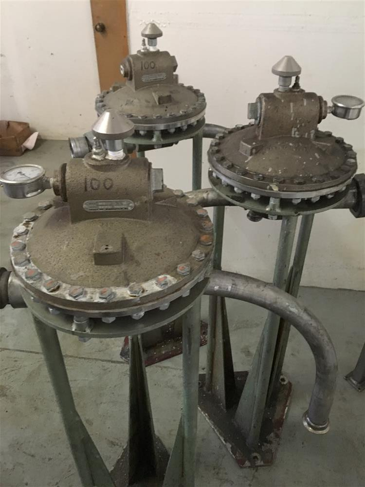 Image Agitated Stainless Steel Tanks with GRACO Agitators 1440780