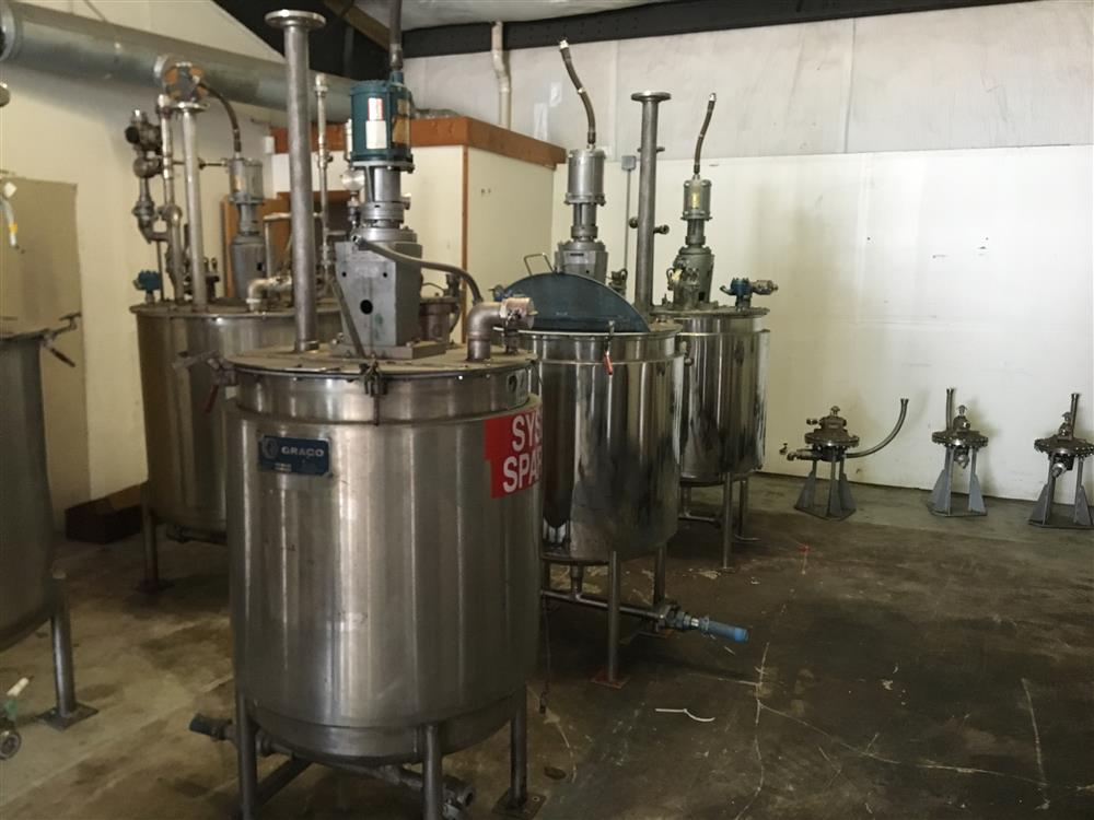 Image Agitated Stainless Steel Tanks with GRACO Agitators 1440783