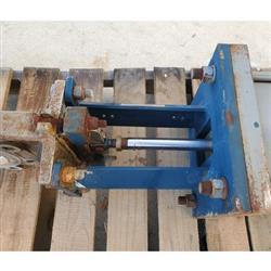 Image 6in ITT ENGINEERED VALVES C67 Fabri-Valve Flanged Knife Gate 1449671