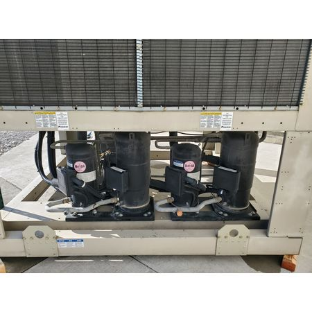 Image DAIKIN APPLIED AGZ070 Air-Cooled Water Chiller - 65 Ton 1456002