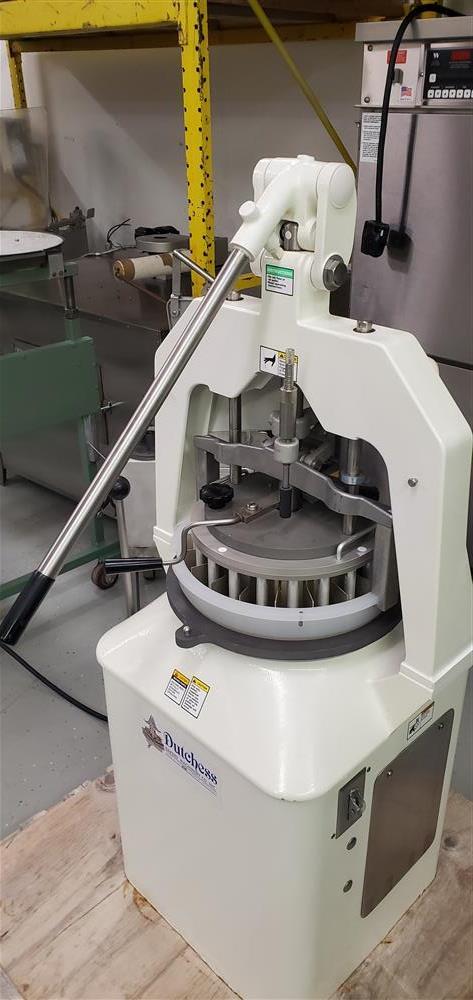 Image DUTCHESS Semi-Automatic Dough Divider/Rounder - USDA 1464988