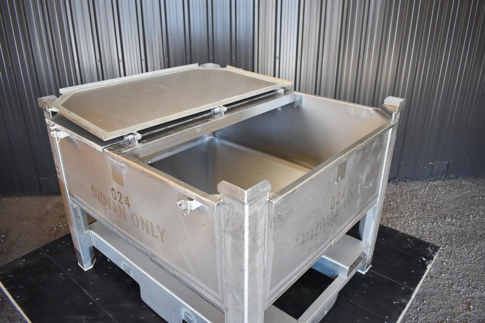 Image 200 Gallon Tote / Tank - Stainless Steel, Stackable 1465234