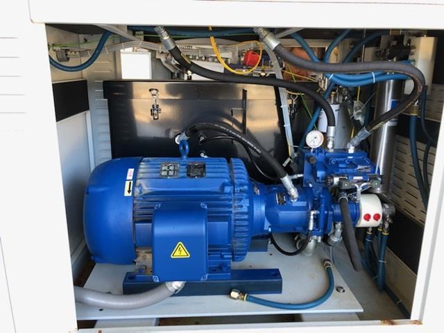 Image KMT Water Jet Food Cutting Machine - Model Streamline SLV-50 PL 1472505