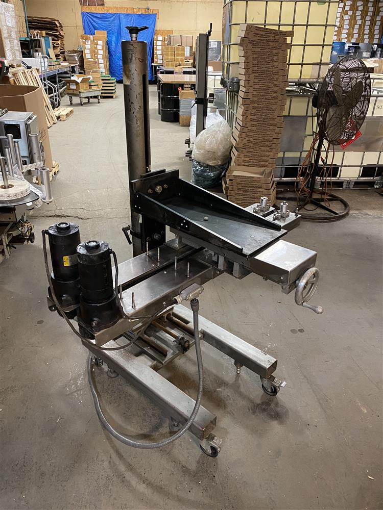 Image NEDCO Belt Transporter Bottle Bottomless Conveyor - Stainless Steel 1472581
