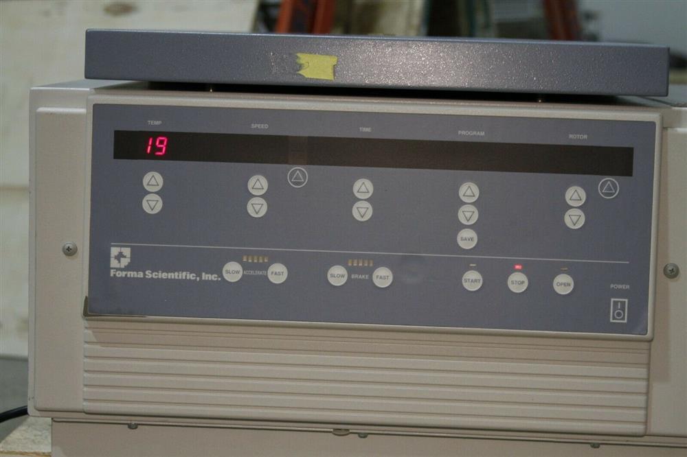 Image FORMA SCIENTIFIC Refrigerated Centrifuge - Model 5682 1472671